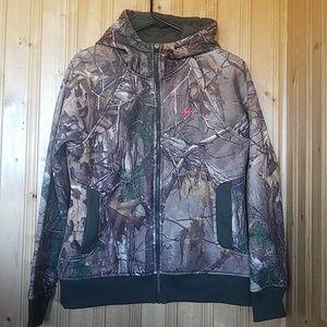 Woman's realtree zip-up hoodie